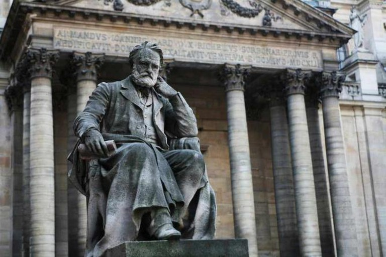 Victor Hugo Statue | © Gouts/WikimediaCommons