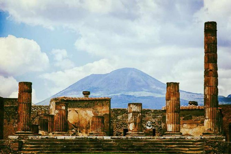 Mount Vesuvius from Pompeii © Ronel Reyes/Flickr