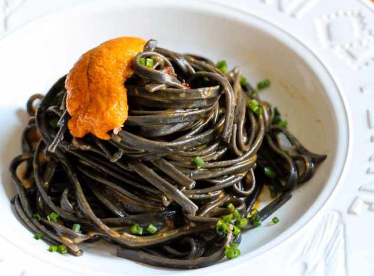 Squid ink spaghetti with sea urchin roe © Brooke Conroy Bass