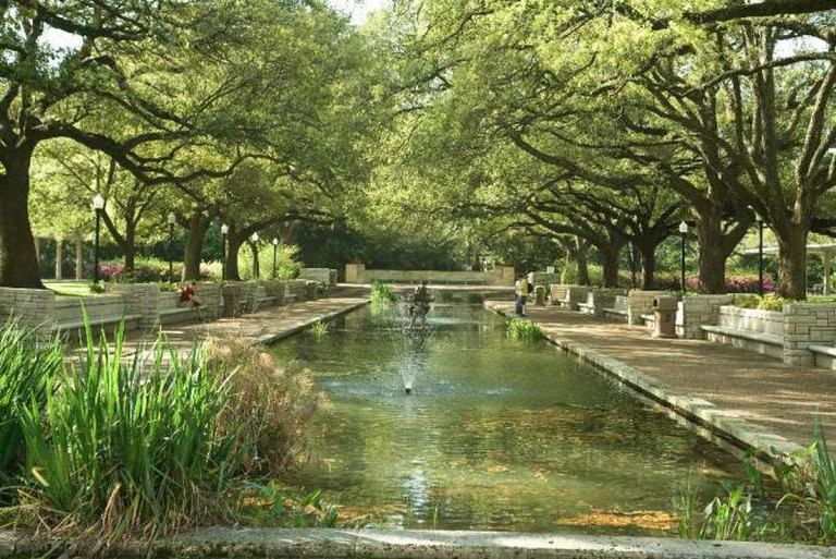 Waterway at Houston Zoo | © Catie Rhodes/Flickr
