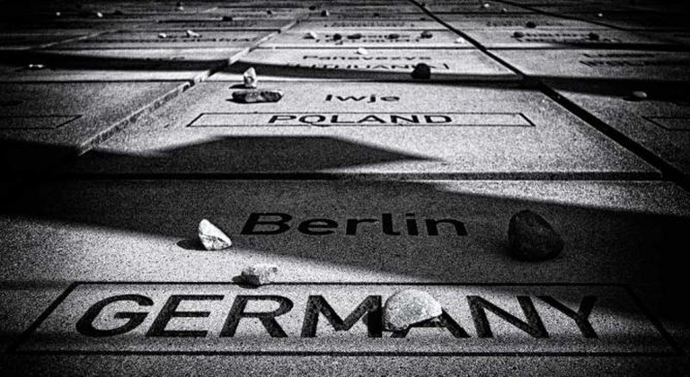 Destroyed Communities Memorial   © Anne Worner/Flickr