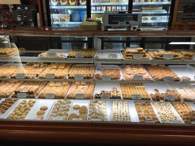 Case of Middle Eastern sweets | © Samantha Beckett