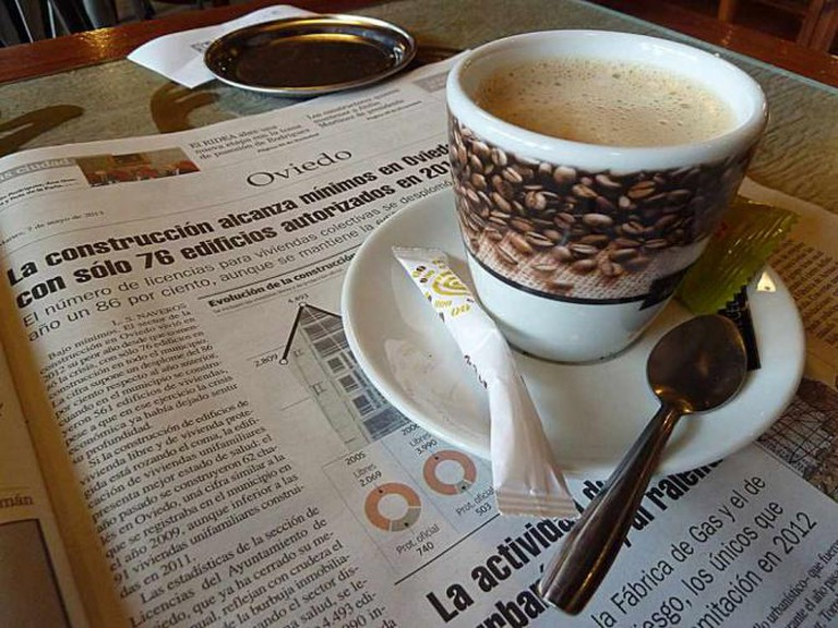 Newspaper and coffee | © Nacho/Flickr
