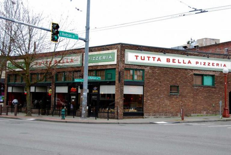 Tutta Bella Pizzeria on Stoneway