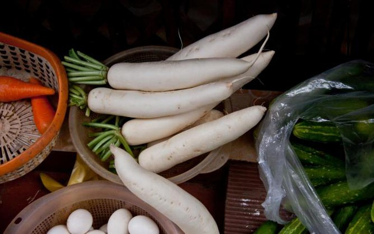 Daikon and other vegetables for sale, Vietnam | © Chris Goldberg/Flickr