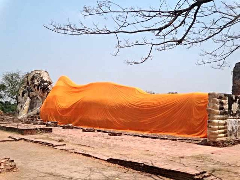 Wat Lokayasutha (Temple of the Reclining Buddha)