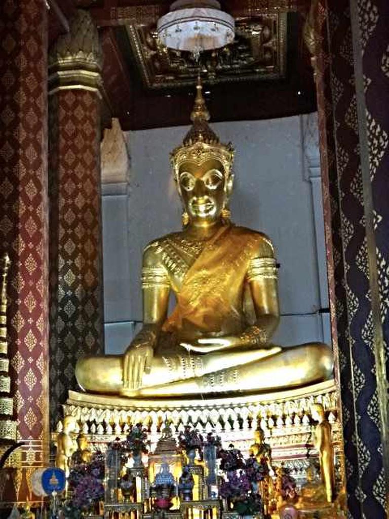 Wat Panan Choeng (Golden Buddha)