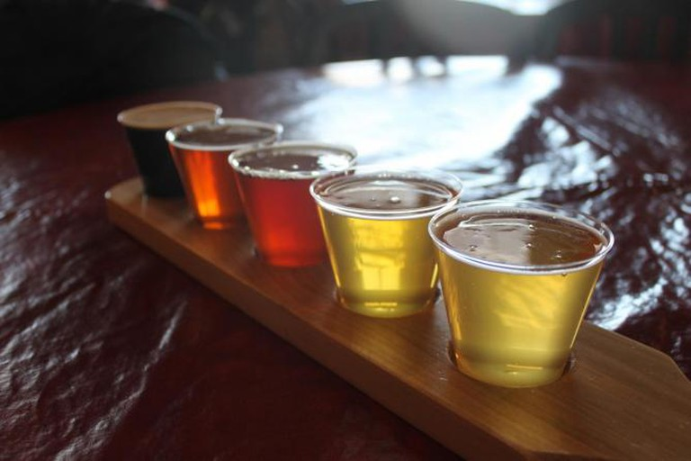 Flight of beers | © Connie Ma/Flickr