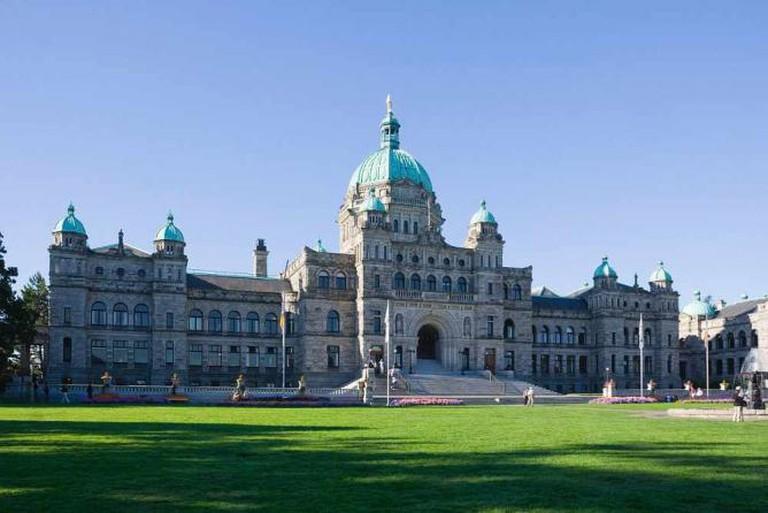 Victoria parliament building - Legislative buildings of Canada