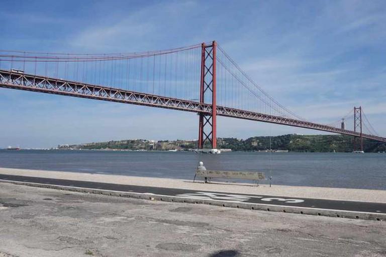 The 25 de Abril Bridge | Image courtesy of Valeria Nikonova