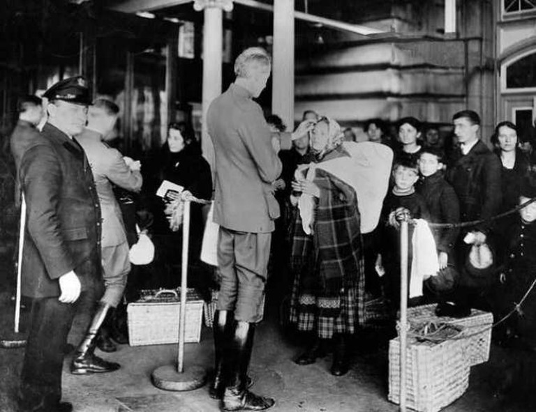 Ellis Island Public Health Service Physicians | © NIAID/Flickr