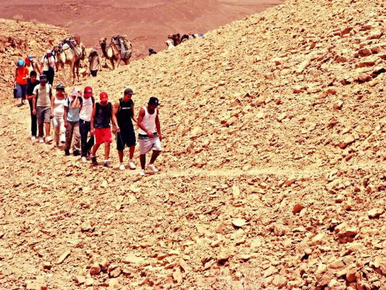 Youth hiking the Negev trails   © Judith89/WikiCommons