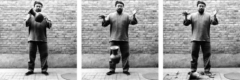 Ai Weiwei, Dropping a Han Dynasty Urn, 1995 | Courtesy of Ai Weiwei