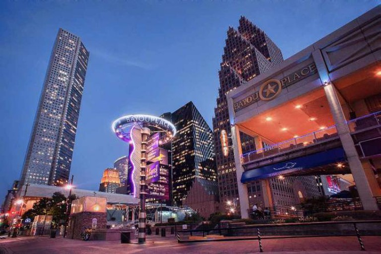 Bayou Place Houston Skyline Downtown HDR | © Katie Haugland/Flickr