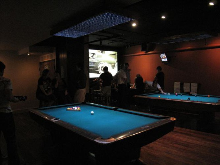 poolside debate at Breadsoda