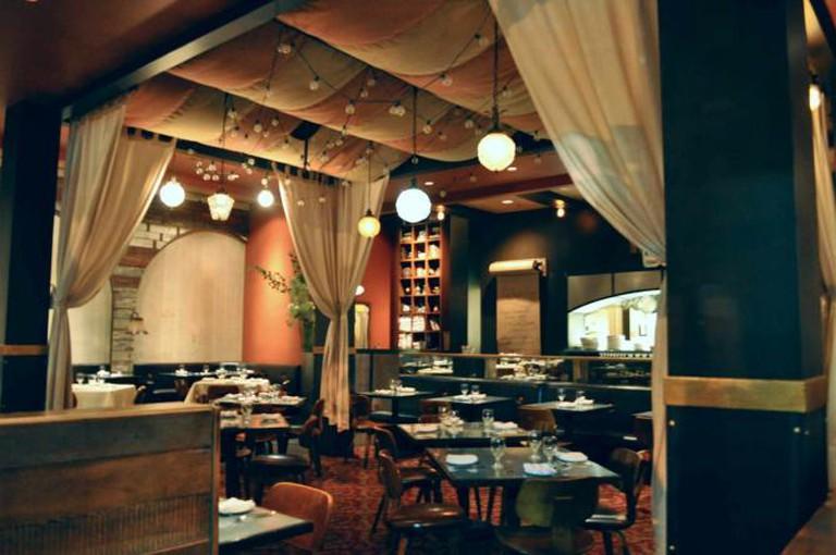 Revival Bar & Kitchen | © Sharon Hahn Darlin/Flickr