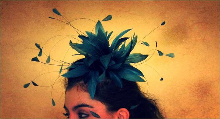 Feather Fascinator|© Jemma Loveridge/Flickr