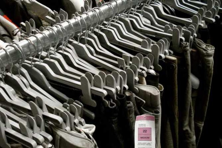 Clothes barn | © Christian Guthier/Flickr