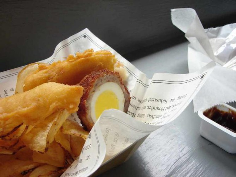 Fish and chips and Scotch egg ©Anna/Flickr