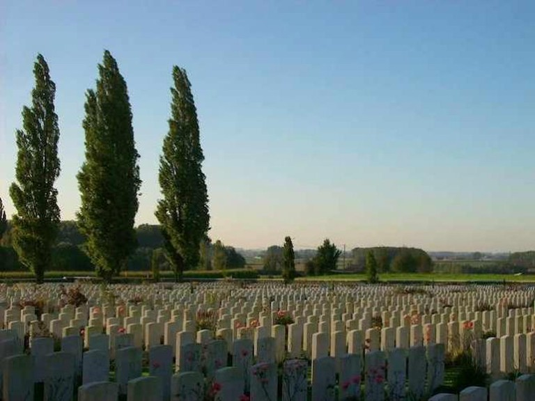 Tyne Cot Cemetery | © Tony Grist/WikiCommons