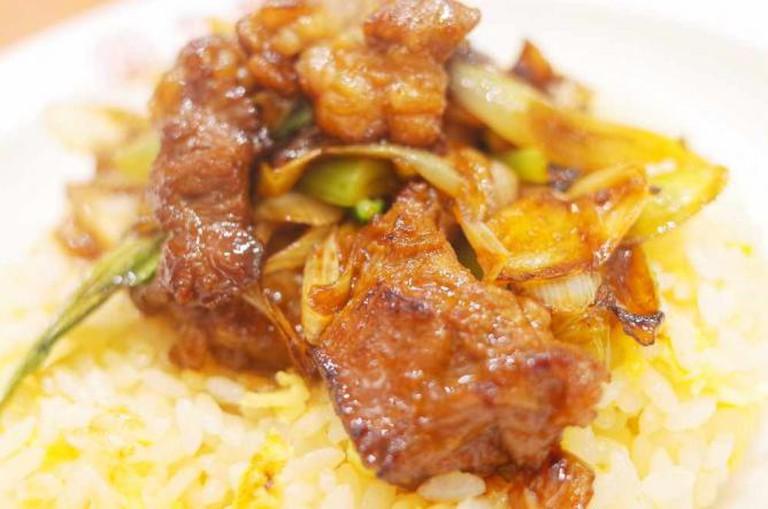 Beef galbi fried rice   © Hideya HAMANO/Flickr