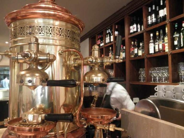 Mariosarti's old coffee machine | Geoff/Flickr