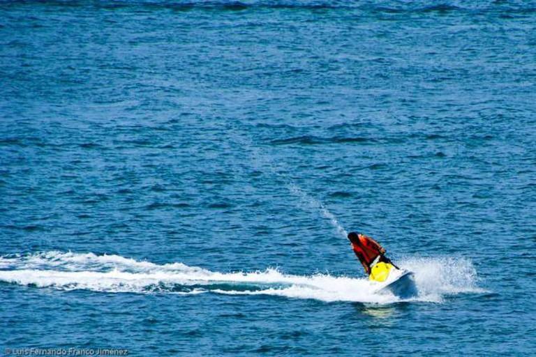 Jet skiing in Cancun ©Luis Fernando Franco Jiménez/Flickr