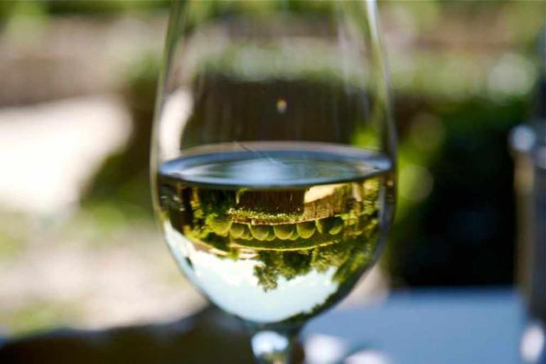 Glass of wine | © Sébastien Barillot/Flickr