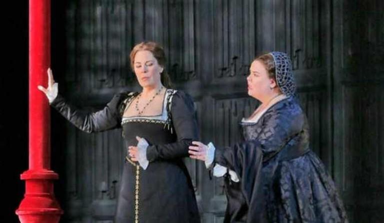 Sondra Radvanovsky in the title role and Jamie Barton as Giovanna Seymour in Donizetti's Anna Bolena | © Ken Howard/Metropolitan Opera