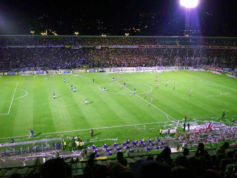 A football match at El Campín| ©Kl45/Wikimedia