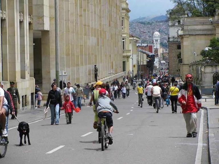 Ciclovia Bogotá| ©nati_fg/Wikimedia