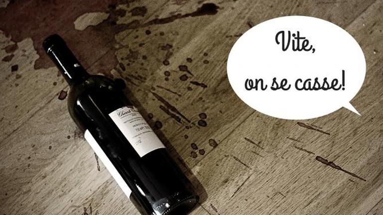 Spilled Wine - On se casse | © Louis du Mont/WikiCommons