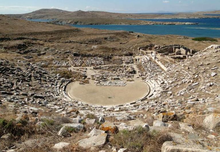 Ancient Greek theatre in Delos, Greece | © Bernard Gagnon/WikiCommons