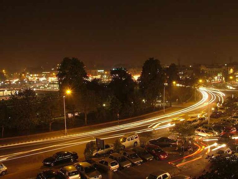 Delhi at night from Q'ba | © Ben n Rebecca McIntyre/Flickr