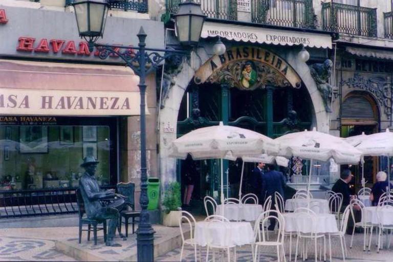 The Pessoa statue beside Café A Brasileira