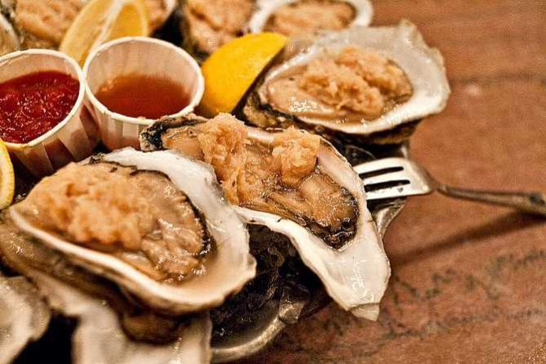 The Oyster Bar, Grand Central Terminal, New York, NY. The oldest operating restaurant in Grand Central. | © Jazz Guy/Flickr