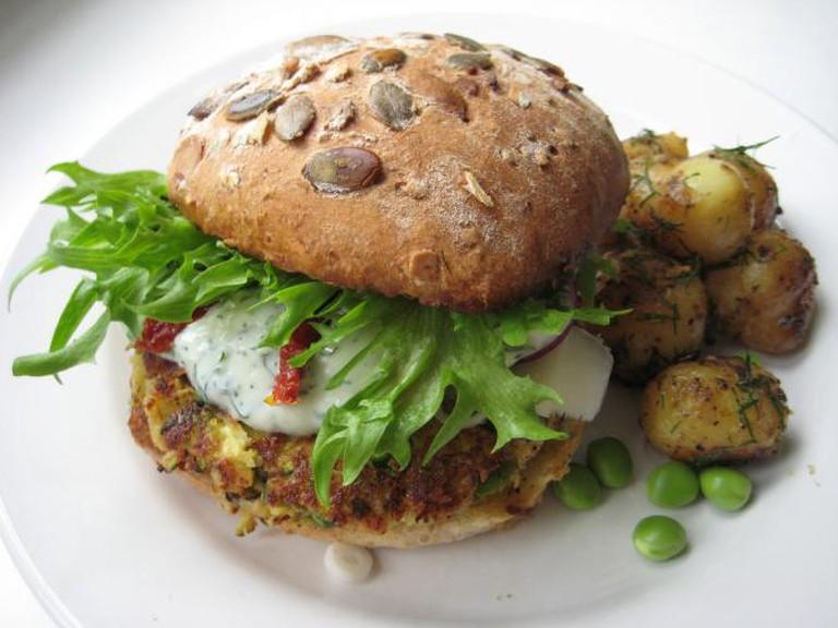 Veggie burger   © Miikka H/Flickr