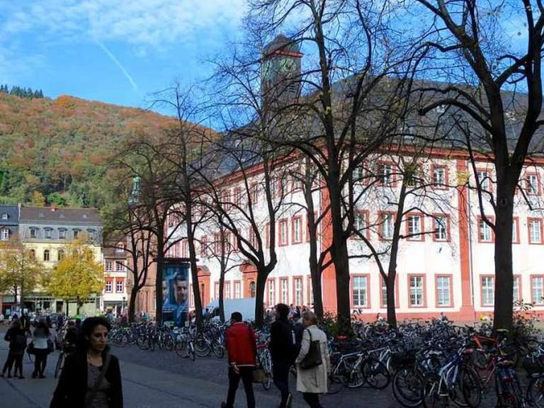 Universitätsmuseum on Universitätsplatz