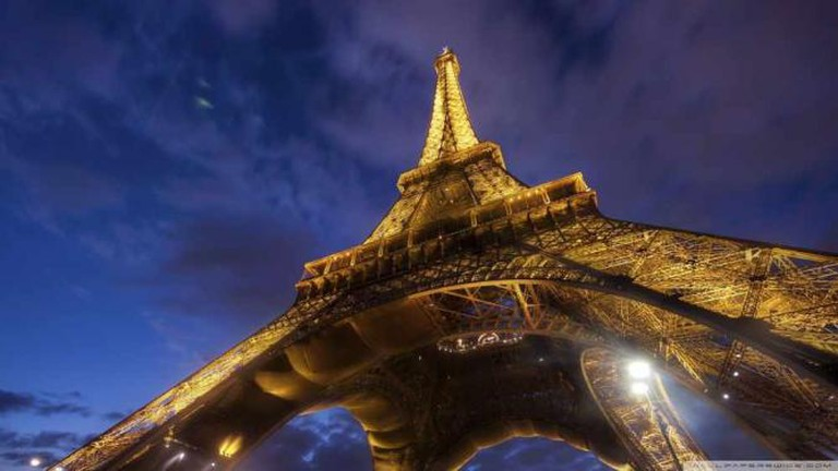 Tour Eiffel, as they say in Paris   © bobmyers/Pixabay