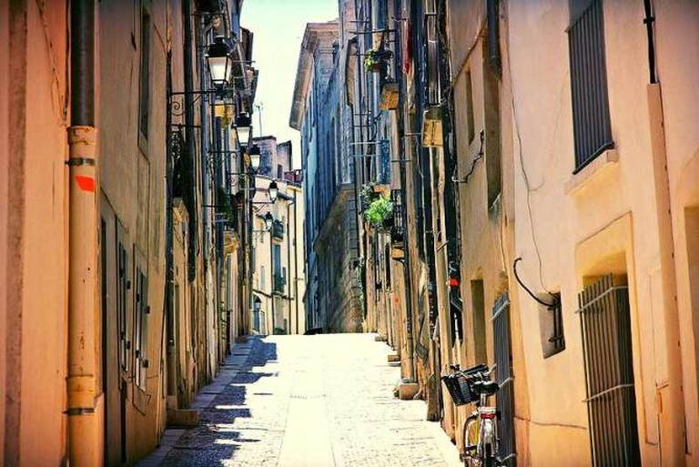 Streets of Écusson | © PerryTak/Flickr