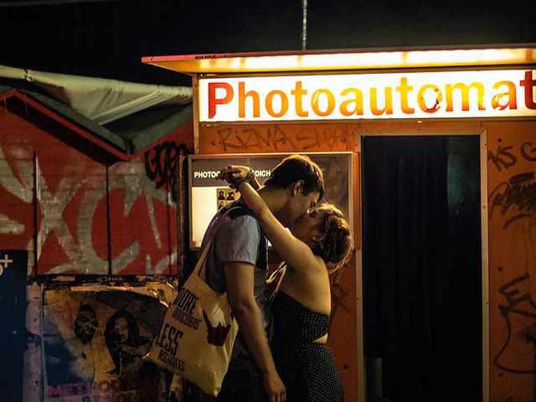 Kissing   © Sascha Kohlmann/Flickr