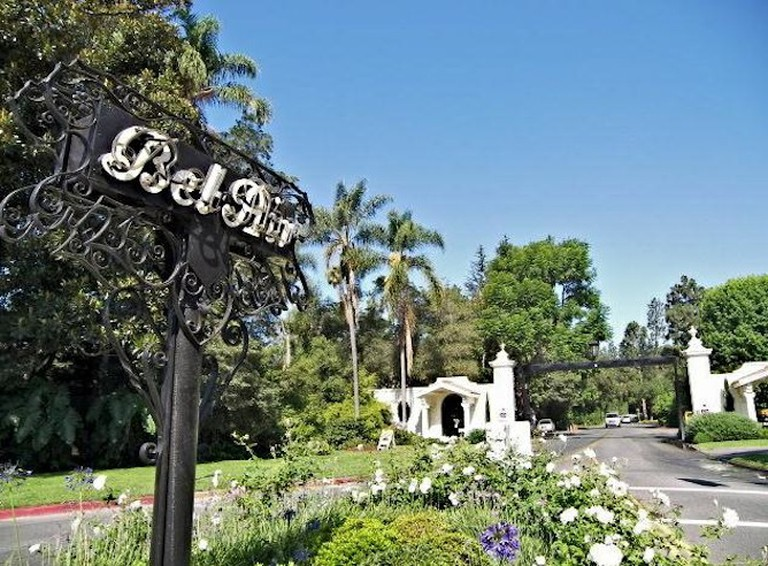 East Gate, Bel Air, Los Angeles | © Socccal/WikiCommons