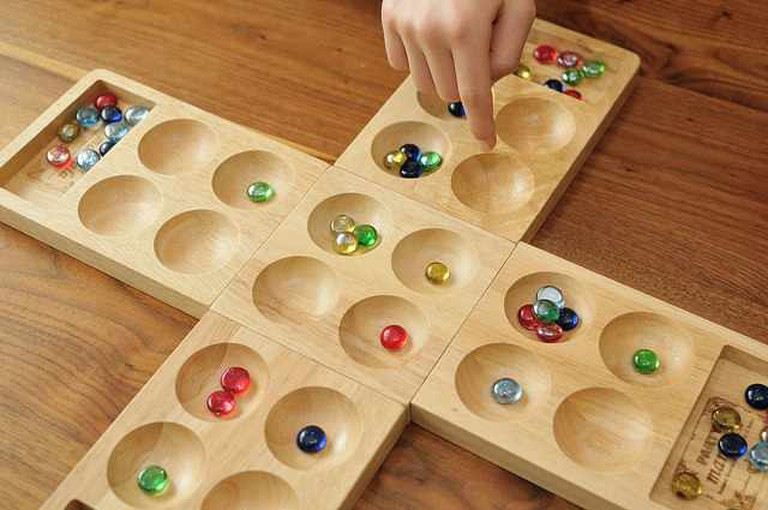 Mancala | © Yoppy/Flickr