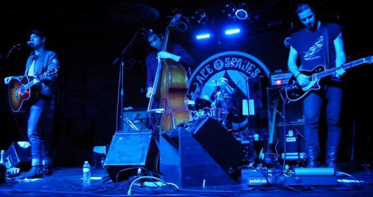 The Airborne Toxic Event on-stage at Ace of Spades | © Jessica S./Flickr