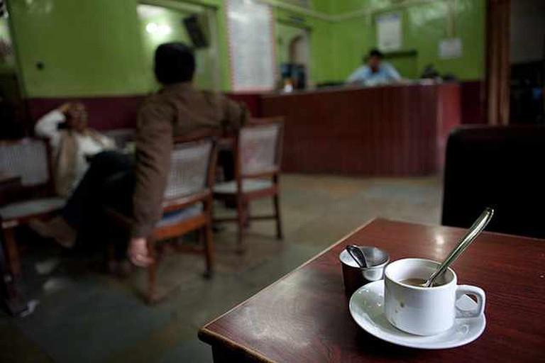 Regulars at the Indian Coffee House, Jaipur | © Jason Rufus/Flickr