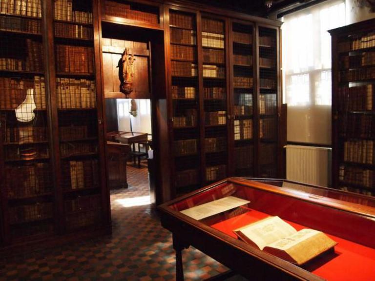 Small Library / © James Radke
