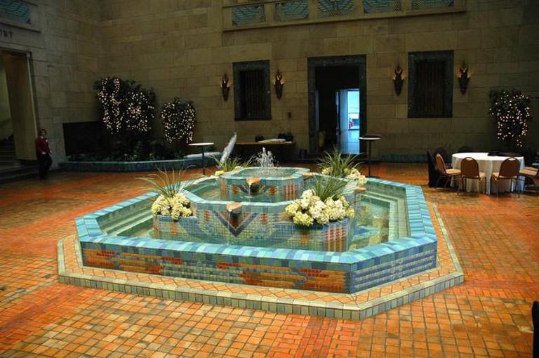 Joslyn Art Museum fountain court in Omaha