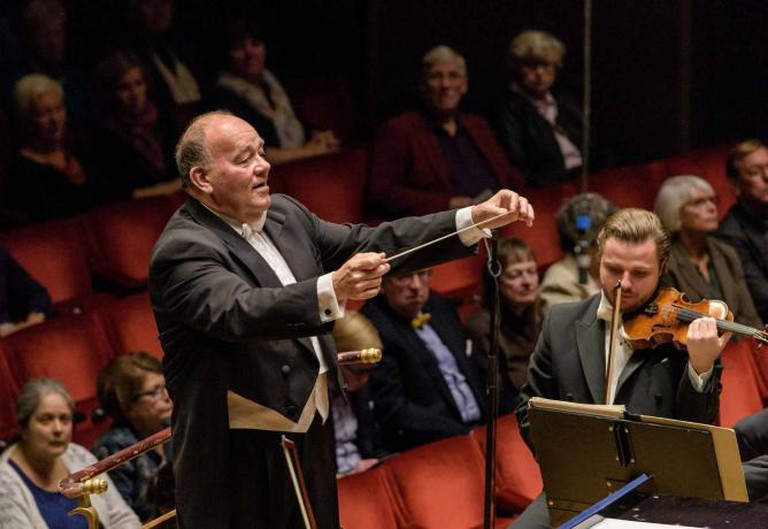 Marc Soustrot conducting Royal Stockholm Philharmonic | © Jan-Olav Wedin
