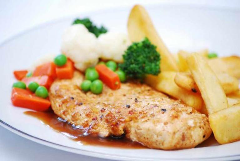 Grilled Chicken Steak | © monirquazi/Flickr
