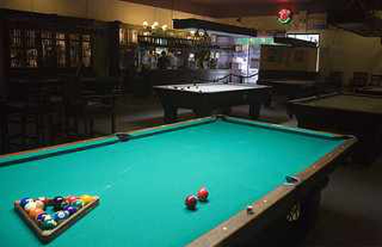 Pool Table | © Anne Canright/Flickr